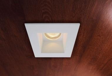 Luminaire intérieur design forme soucoupe doré